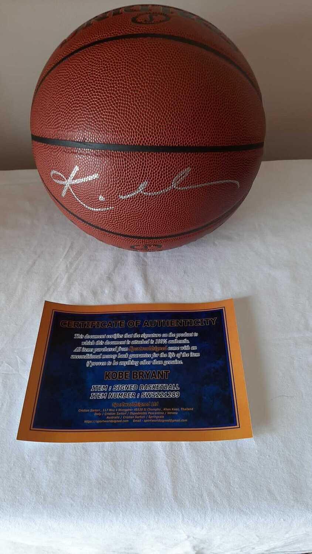 Pallone KOBE BRYANT LAKERS Autografato Signed KOBE BRYANT LAKERS LOS ANGELES Signed Autograph BALL HAnd Signed NBA KOBE BRYANT LAKERS  AUTOGRAPH AUTHENTIC