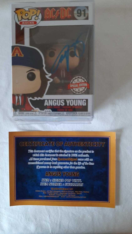 Pop Vynil Rock  AUTOGRAFATO Autografo Angus Young AC/DC POP VYNIL FIGURE  Signed  POP VYNIL FIGURE Angus Young AC/DC Autograph Hand Signed POP VYNIL FIGURE