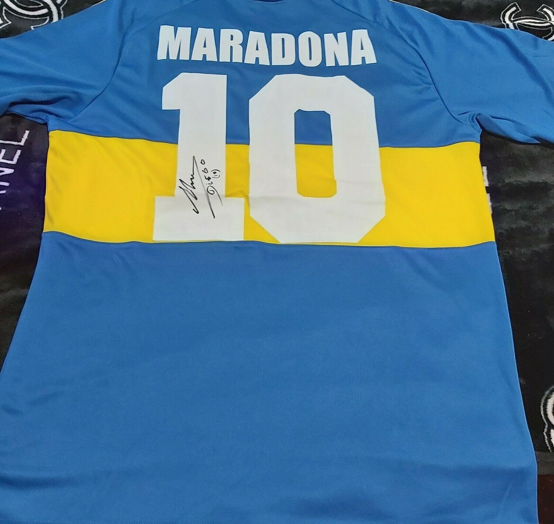 Maglia BOCA JUNIORS DIEGO ARMANDO MARADONA Autografata   MARADONA  ARGENTINA  Signed wich COA certificate   DIEGO ARMANDO MARADONA BOCA JUNIORS  AUTOGRAPH SIGNED HAND