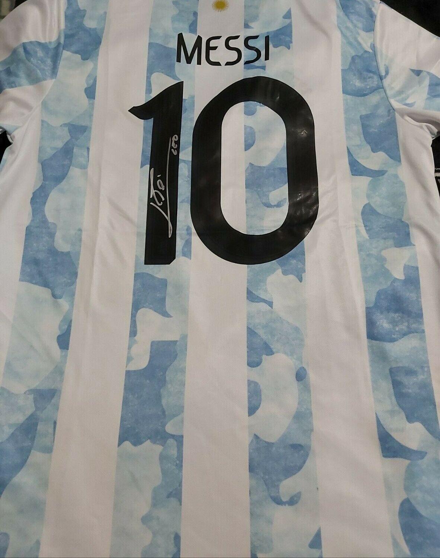 Maglia ARGENTINA LEO MESSI Autografata  LEO MESSI  ARGENTINA  Signed wich COA certificate LEO MESSI  2020 2021 ARGENTINA