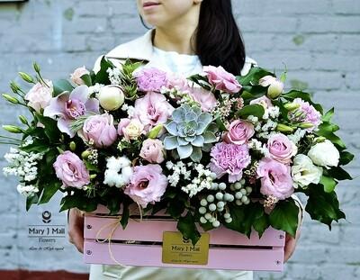 Цветы в деревянном ящике №7