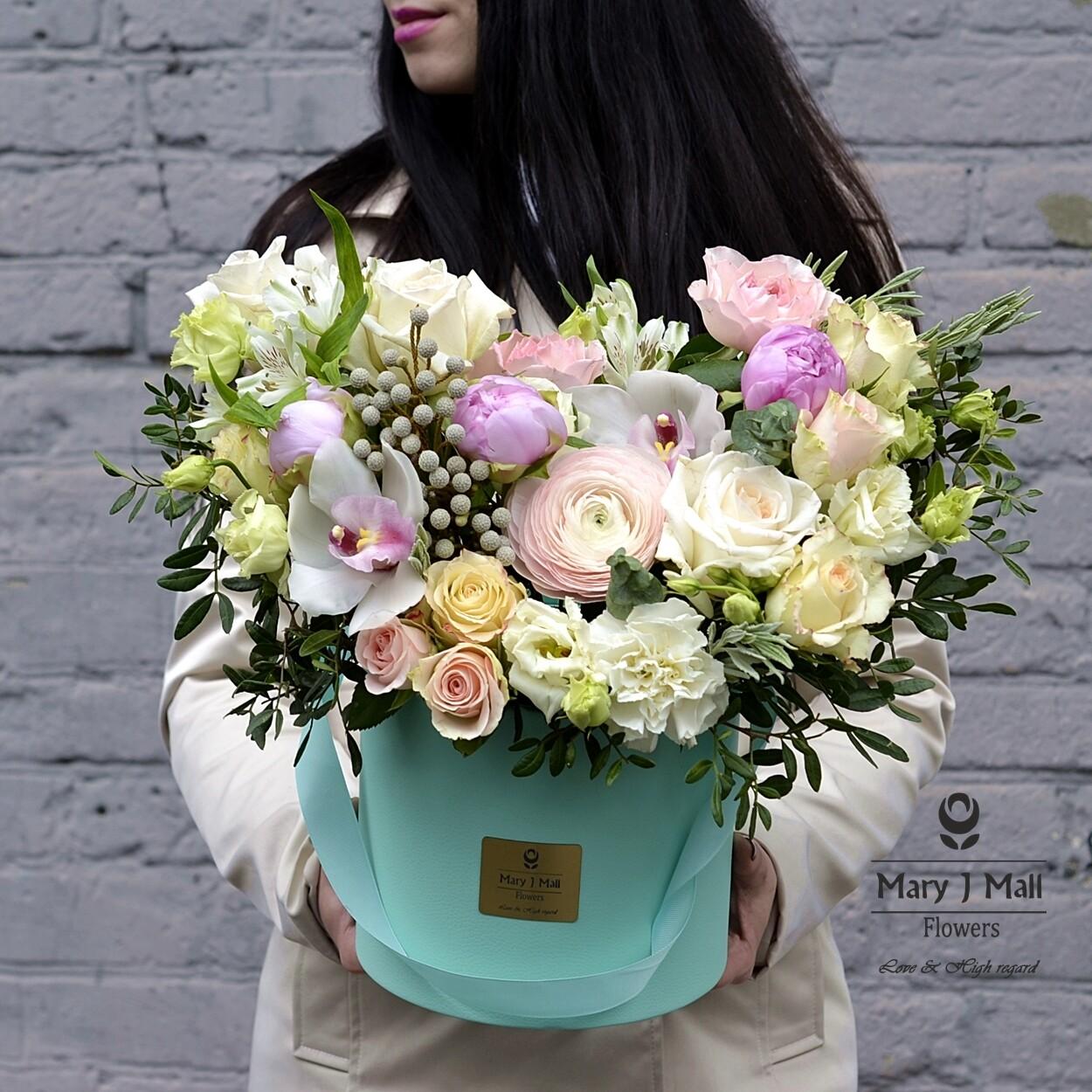 """Цветы в коробке """"Premium 9"""""""