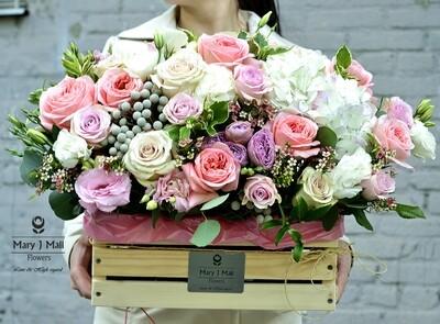 Цветы в деревянном ящике №9