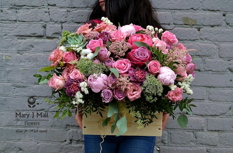 Цветы в деревянном ящике №5