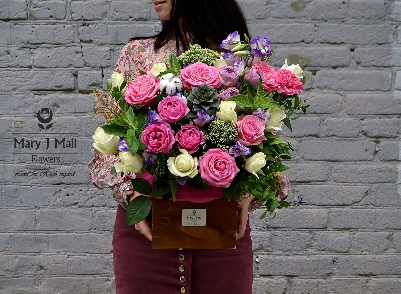 Цветы в деревянном ящике #10