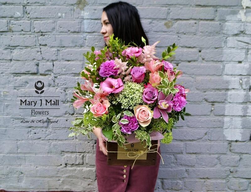 Цветы в деревянном ящике #18