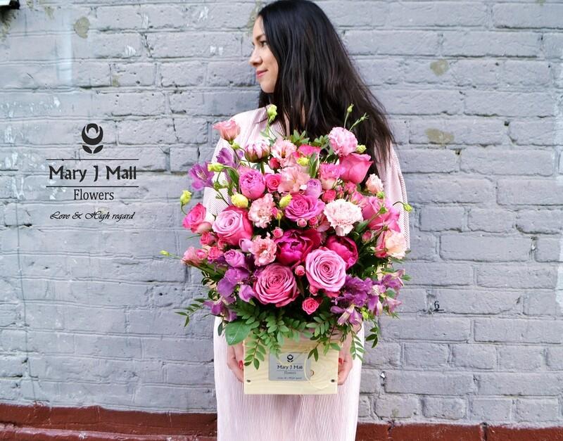 Цветы в деревянном ящике #15