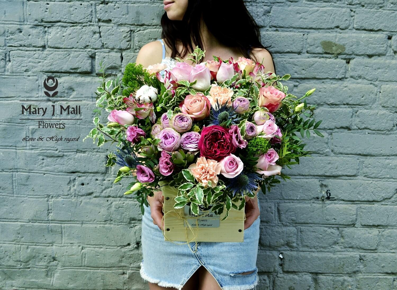 Цветы в деревянном ящике #20