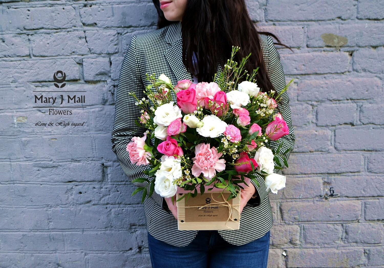 Цветы в деревянном ящике #16