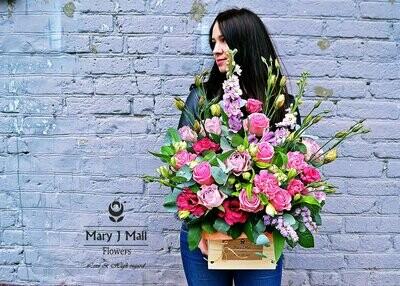 Цветы в деревянном ящике #23