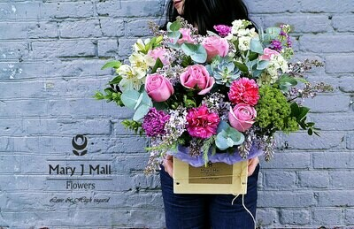 Цветы в деревянном ящике #25