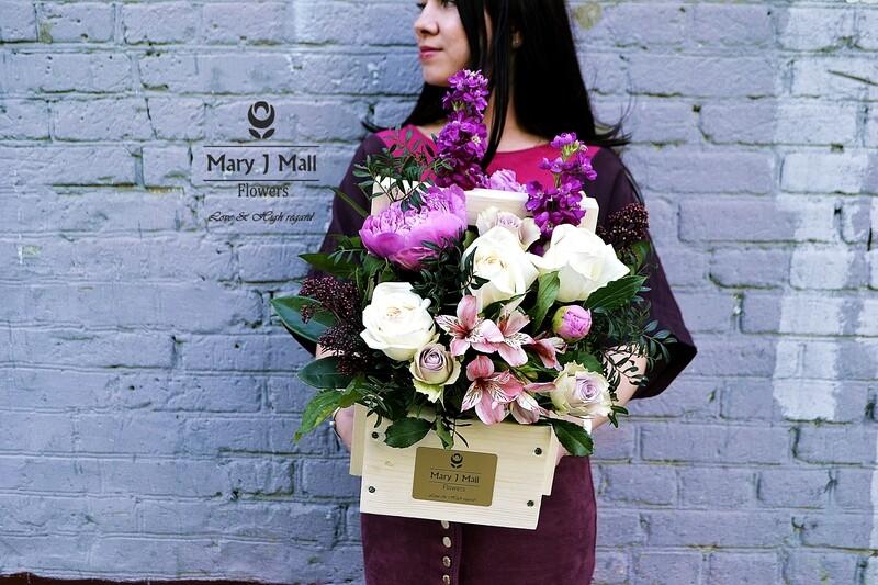 Цветы в деревянном ящике #29