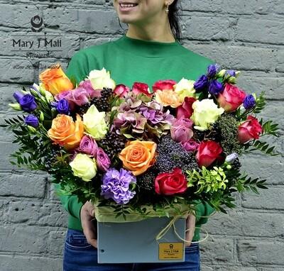 Цветы в деревянном ящике #31