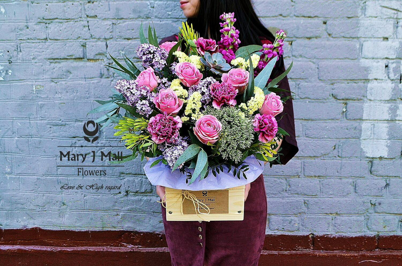 Цветы в деревянном ящике #30