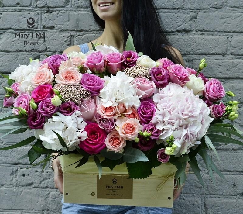 Цветы в деревянном ящике №14