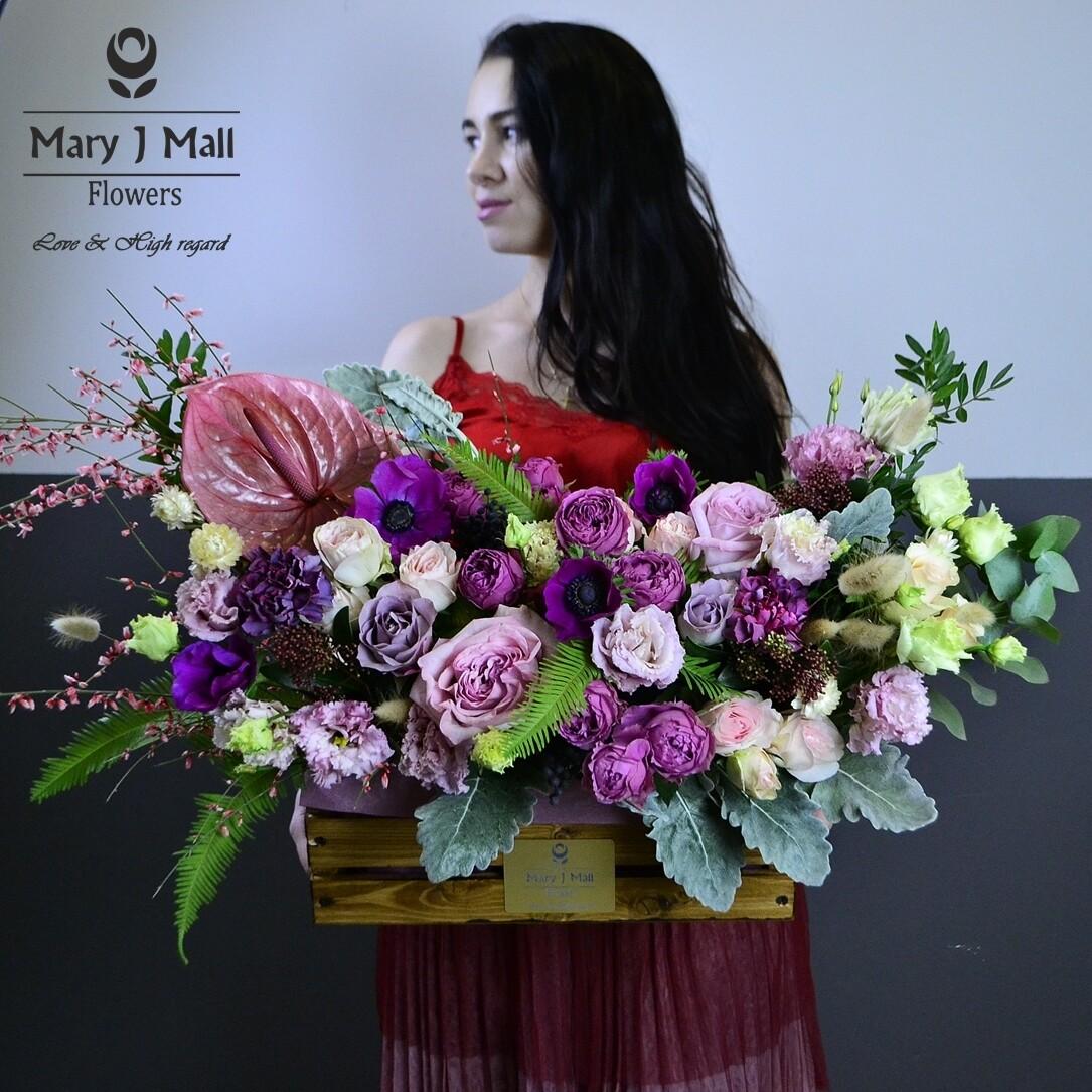 Цветы в деревянном ящике №15