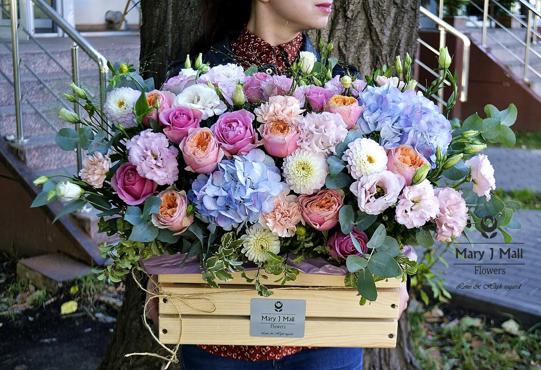 Цветы в деревянном ящике №17