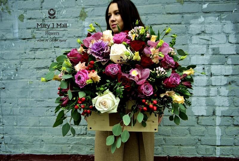 Цветы в деревянном ящике №20