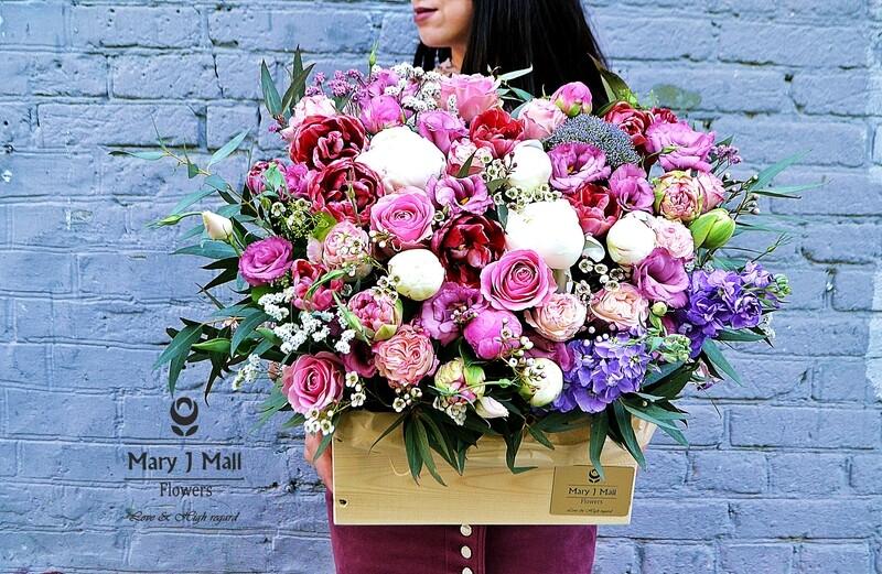 Цветы в деревянном ящике №23