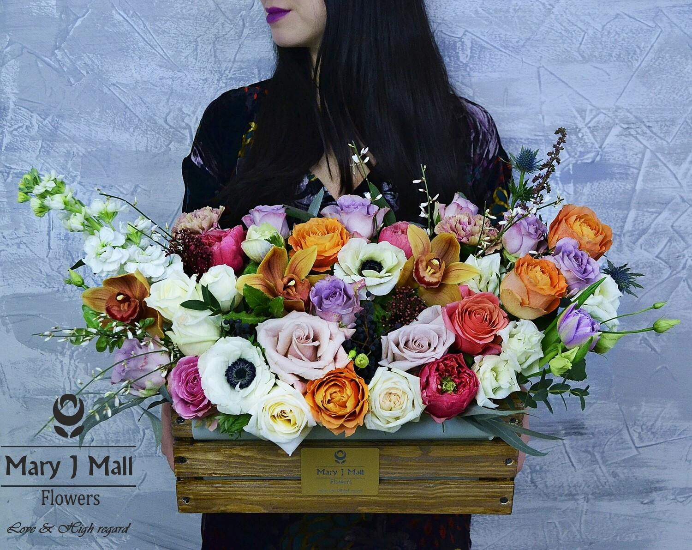 Цветы в деревянном ящике №26