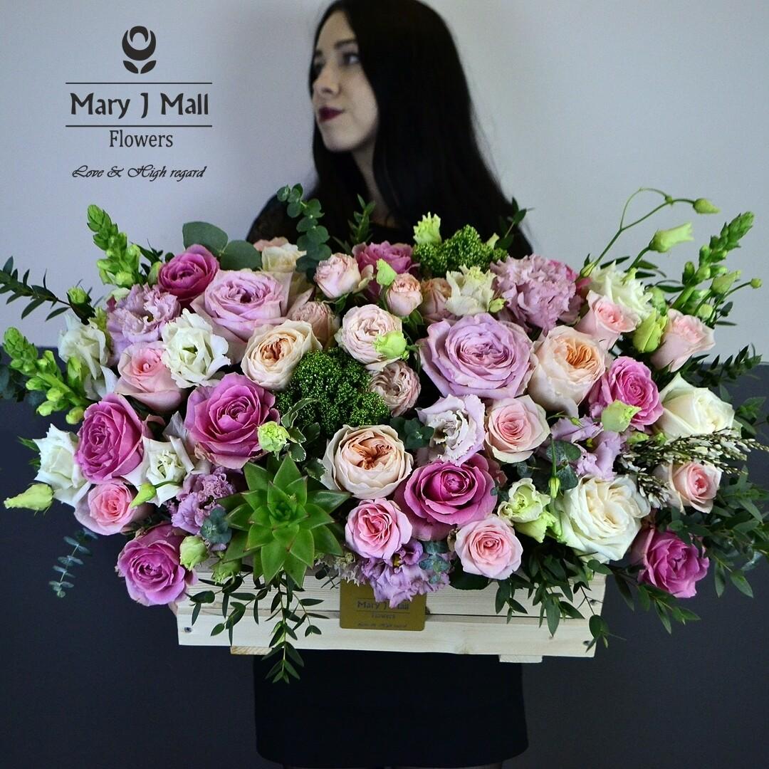 Цветы в деревянном ящике №25
