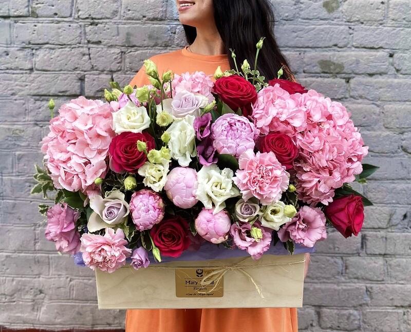 Цветы в деревянном ящике №28