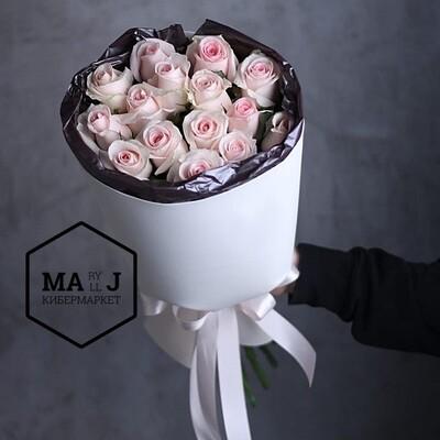 15 роз в бокале