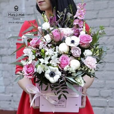 Цветы в деревянном ящике #32