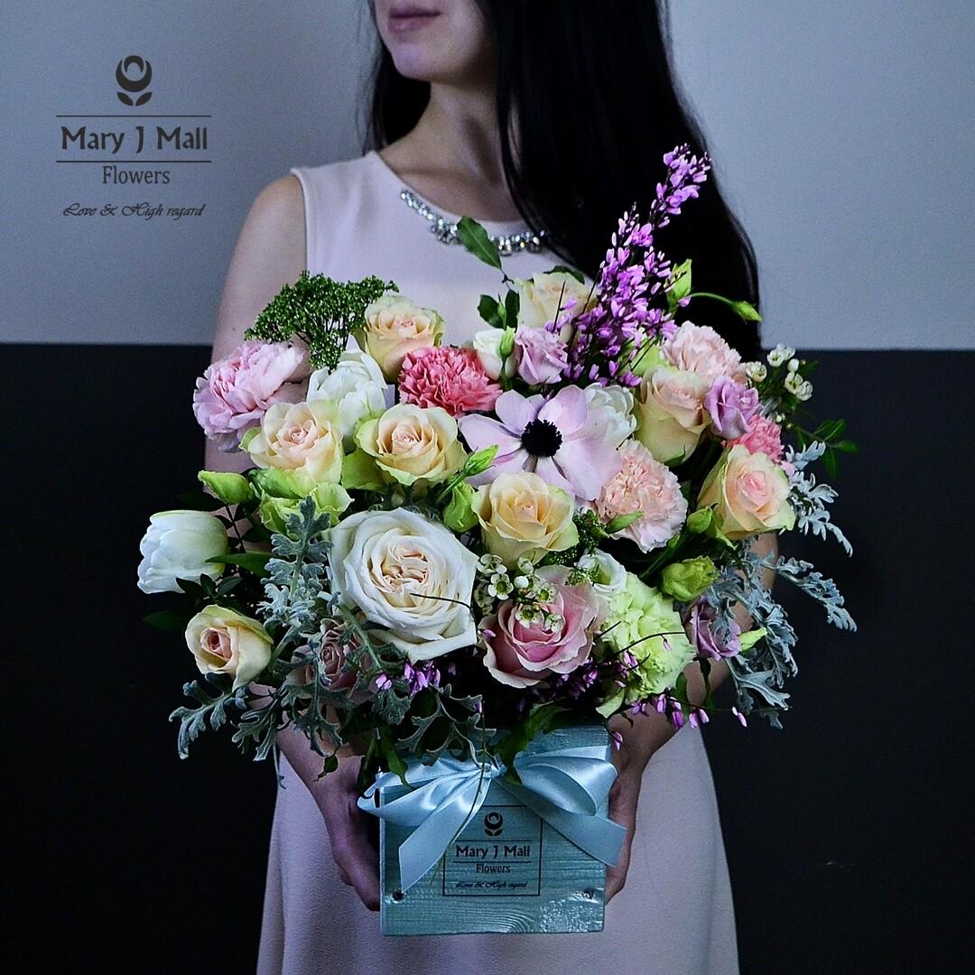 Цветы в деревянном ящике #33