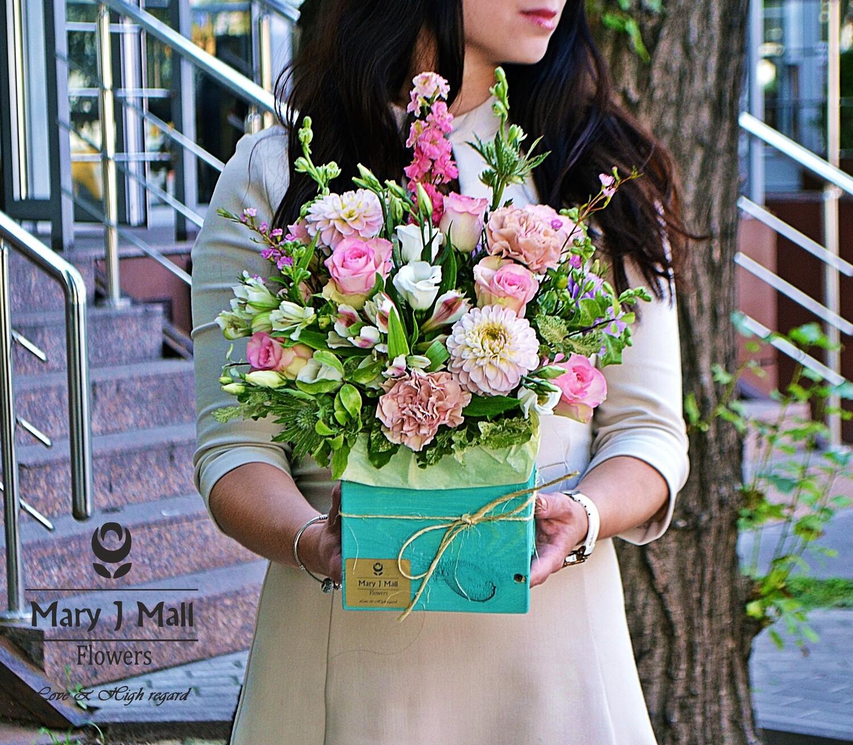 Цветы в деревянном ящике №34