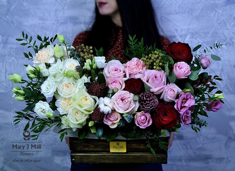 Цветы в деревянном ящике №50