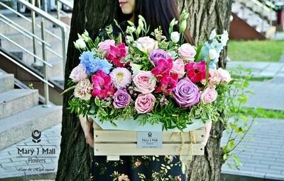 Цветы в деревянном ящике №53