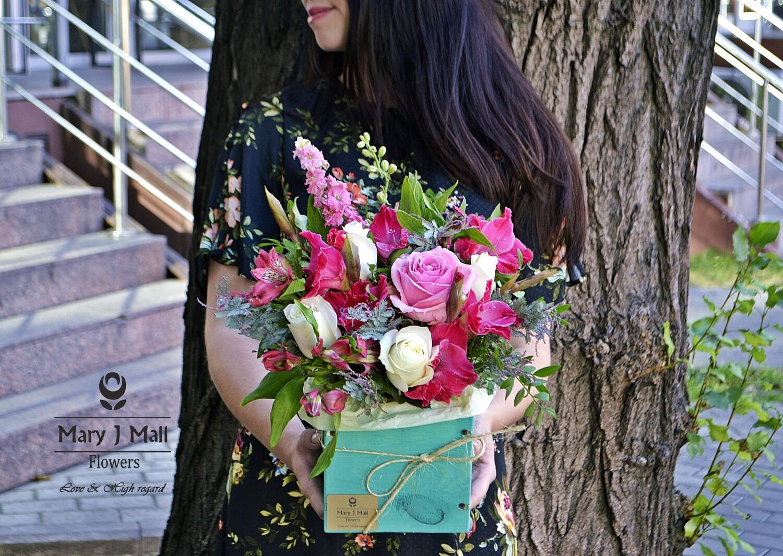Цветы в деревянном ящике №35