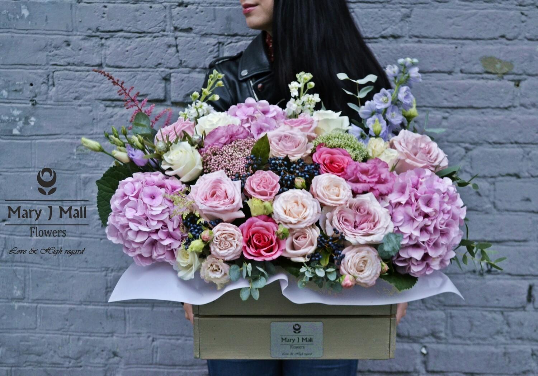 Цветы в деревянном ящике №80