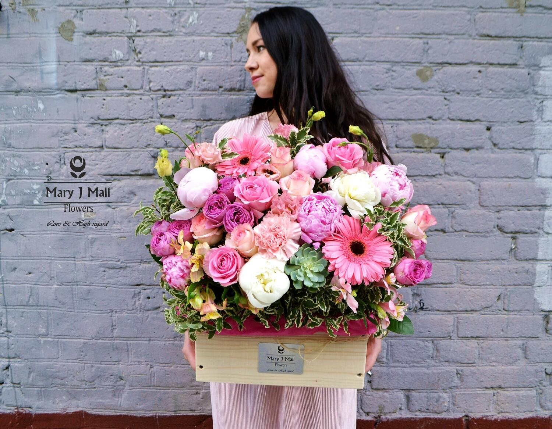 Цветы в деревянном ящике №81