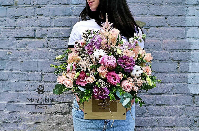 Цветы в деревянном ящике №91