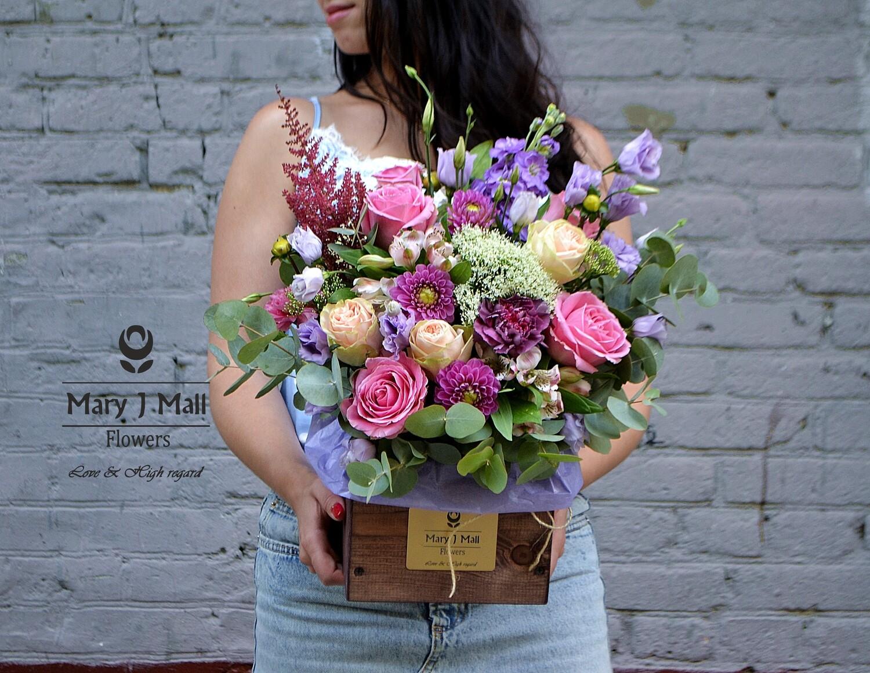 Цветы в деревянном ящике №75