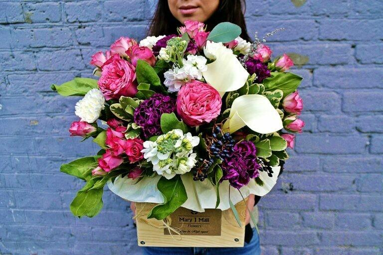 Цветы в деревянном ящике №78