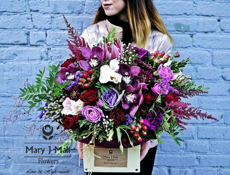 Цветы в деревянном ящике №83