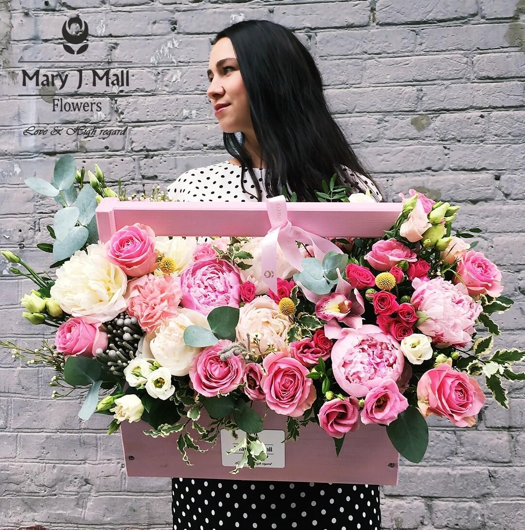 Цветы в деревянном ящике №115