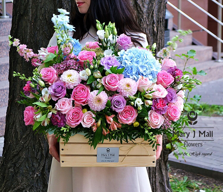 Цветы в деревянном ящике №116