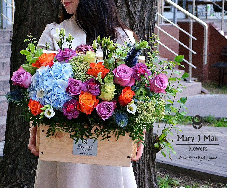 Цветы в деревянном ящике №114