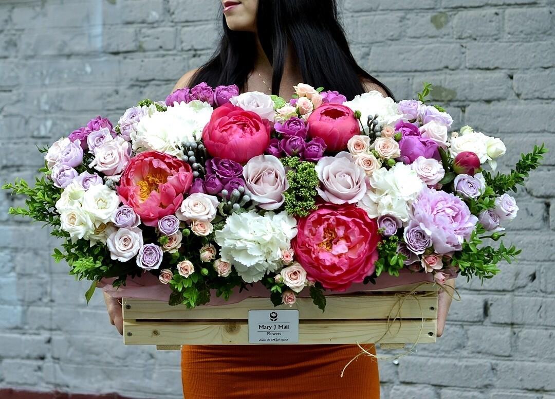 Цветы в деревянном ящике №110