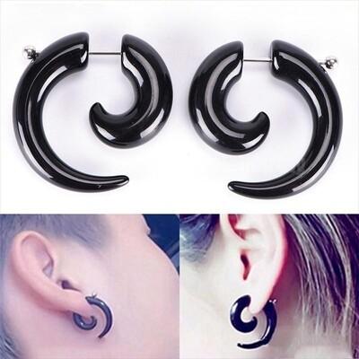 Flye Fashion 1pcs Gothic Women Men Punk Black Acrylic Snail Stud Earrings Ear Piercing Jewelry