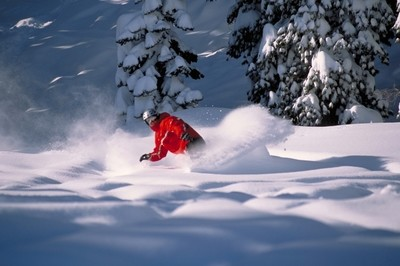 Snowboarding in Powder