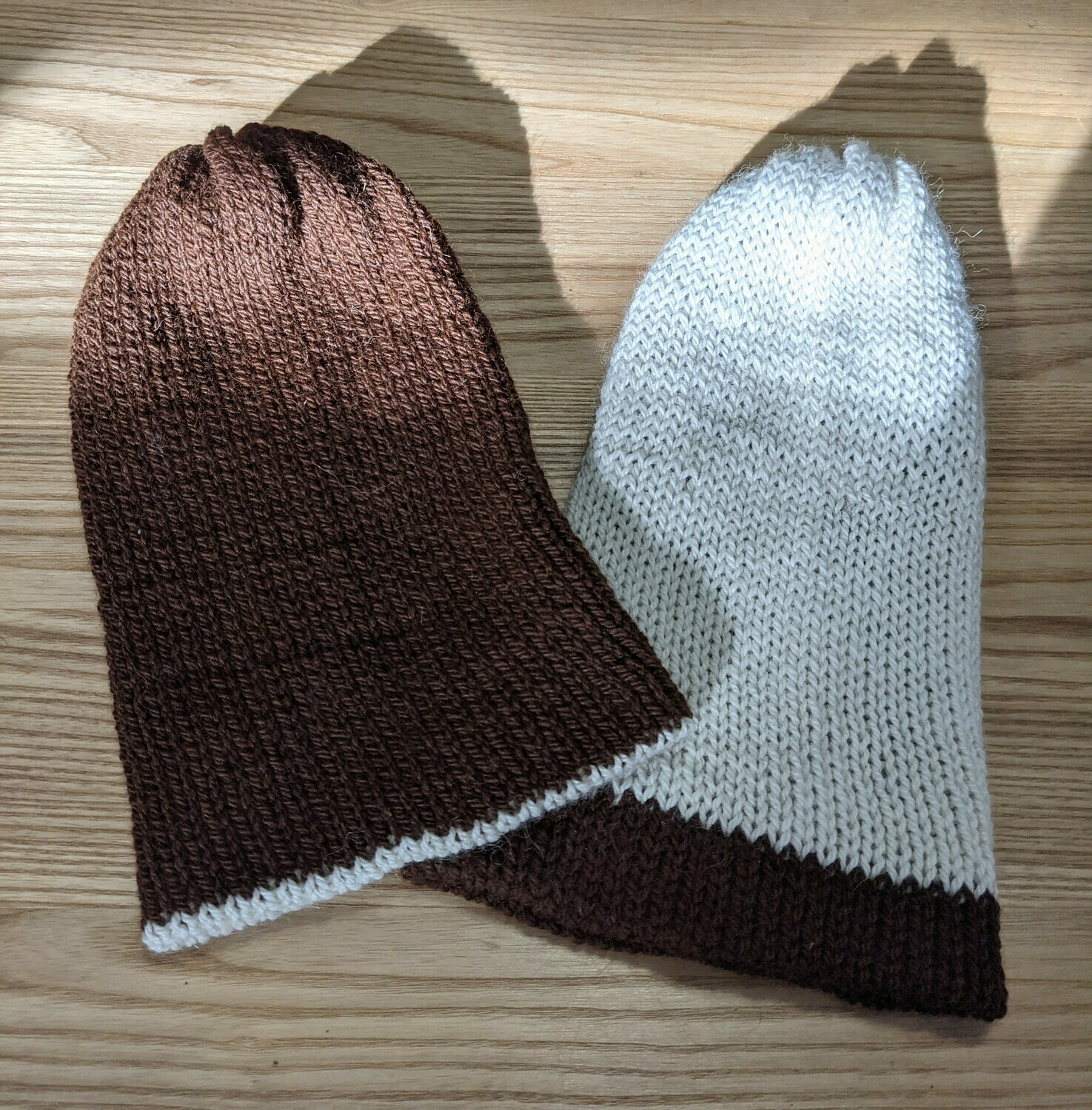 Slouchy Toque reversible (brown and white)