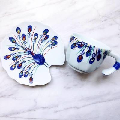 (Sold) 日本手繪孔雀茶杯碟