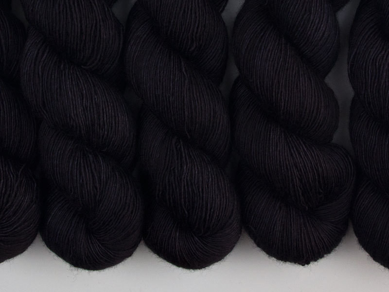 Das Mondschaf  Merino Single Black Hole