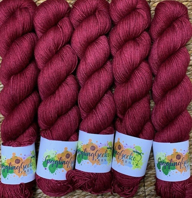 GGY GigglingGecko Tubote Yarn  Lipstick Red