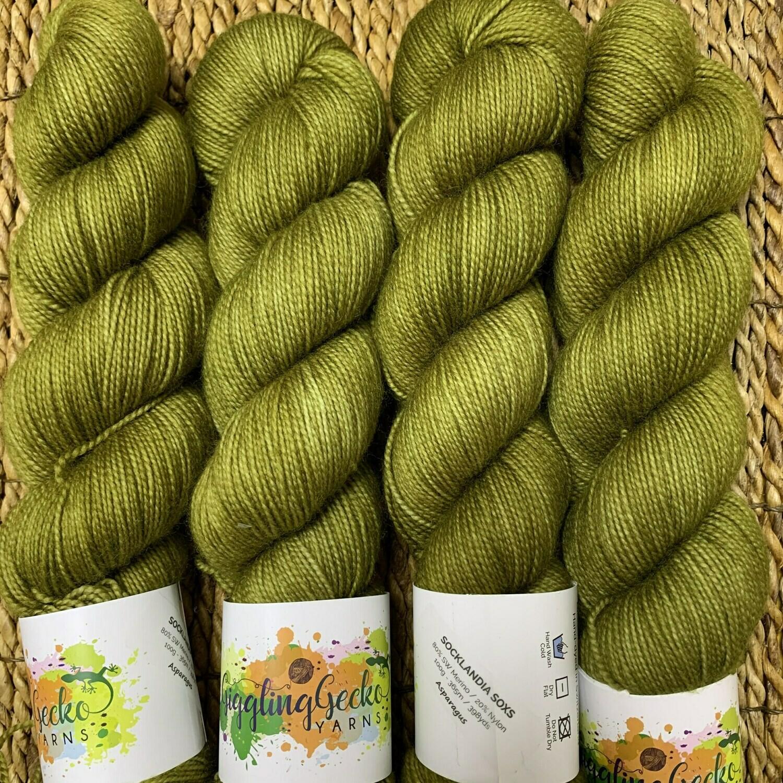 GGY GigglingGecko Socklandia Soxs Yarn Asparagus